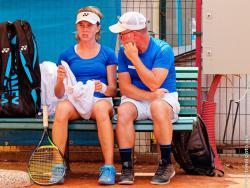 0304b-Linda-Noskova-and-coach-CZE-2019-European-Summer-Cups-G16-Finals.jpg